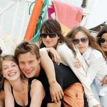 Un'immagine promozionale del cast di Summer Dreams