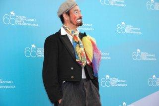 Venezia 65. - Miloud Oukili, l'artista di strada franco-algerino che ha ispirato la storia del film Pa-Ra-Da