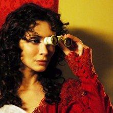 Isabella Orsini in una sequenza della fiction Il sangue e la rosa, in onda su Canale 5