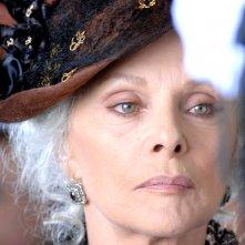 Virna Lisi è Lucrezia Sciarra nella miniserie Il sangue e la rosa