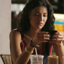 Jessica Szohr in una scena dell'episodio 'The Dark Night' della serie Gossip Girl