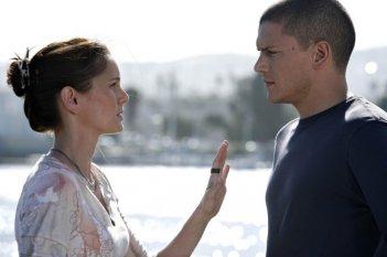 Wentworth Miller e Sarah Wayne Callies nell'episodio Breaking and Entering della quarta stagione di Prison Break