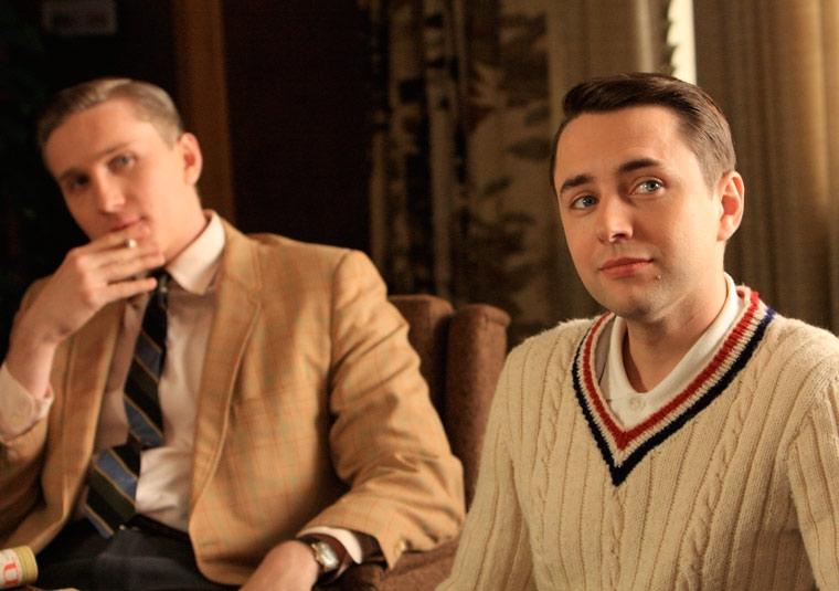 Aaron Staton E Vincent Kartheiser In Una Scena Dell Episodio Three Sundays Di Mad Men 87223