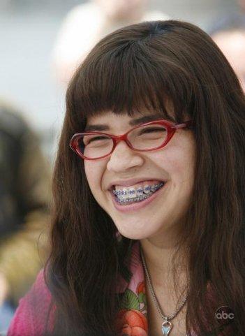 America Ferrera  nel primo episodio della terza stagione della serie Ugly Betty