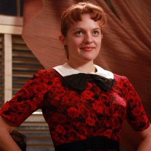 Elisabeth Moss nell'episodio Flight 1 di Mad Men