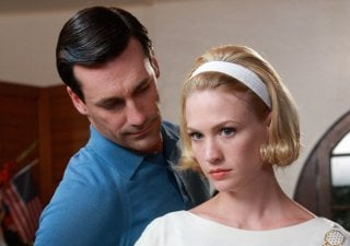 Jon Hamm e January Jones in una scena dell'episodio Maidenform di Mad Men
