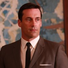 Jon Hamm in una scena di For Those Who Think Young di Mad Men
