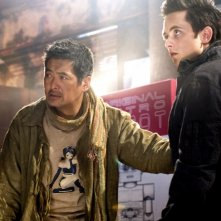 Justin Chatwin e Chow Yun-Fat in una sequenza del film Dragonball
