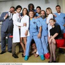 Una foto promozionale del cast di Medici Miei