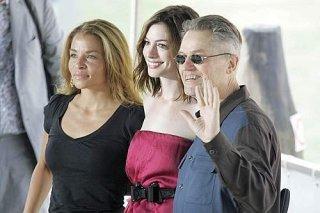 Venezia 2008: Anne Hathaway accanto al regista Jonathan Demme e Jenny Lumet