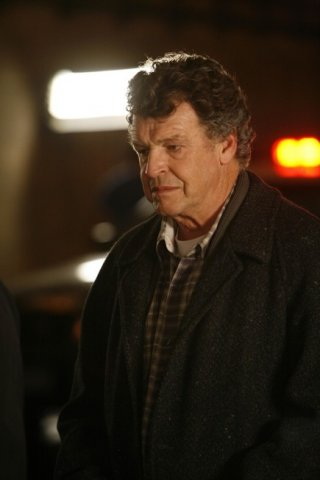 John Noble in un'immagine dell'episodio The Ghost Network di Fringe