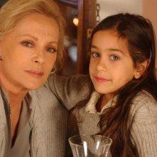 Virna Lisi e la piccola Giulia Bellu nella fiction Fidati di me