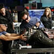 Joe Flanigan, Rachel Luttrell e David Nykl nell'episodio 'First Contact' della serie Stargate Atlantis
