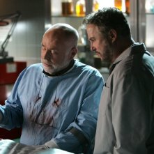 Robert David Hall insieme a William Petersen nell'episodio 'Art Imitates Life' della serie tv C.S.I.