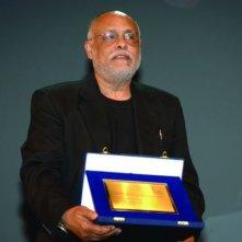 Haile Gerima con in premio speciale della giuria ricevuto a Venezia 65. per 'Teza'