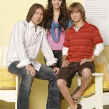 Miley Cyrus, Jason Earles e Billy Ray Cyrus in una foto promozionale di Hannah Montana