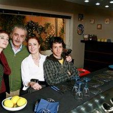 Parte del cast di Agrodolce in una foto promozionale