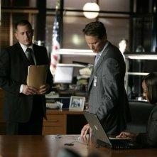 Steven Weber, Anthony LaPaglia e Marianne Jean-Baptiste nell'episodio 'Closure' della serie Senza traccia