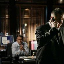 Steven Weber e Anthony LaPaglia nell'episodio 'Closure' della serie Senza traccia