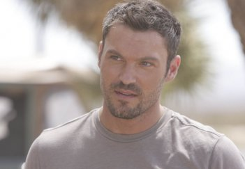 Brian Austin Green in un momento dell'episodio The Mousetrap di Terminator: The Sarah Connor Chronicles