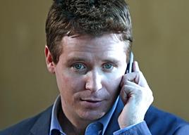 Kevin Connolly in una scena dell'episodio 5x01 Fantasy Island di Entourage