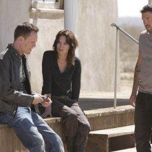 Lena Headey, Brian Austin Green e Dean Winters in un momento dell'episodio The Mousetrap di Terminator: The Sarah Connor Chronicles