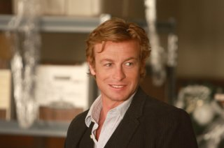 Simon Baker nell'episodio pilota della serie The Mentalist