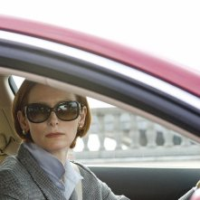 Tilda Swinton in una scena del film Burn After Reading - A prova di spia