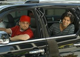 Turtle e Vince di ritorno a Los Angeles nell'episodio 5x01 Fantasy Island di Enoturage