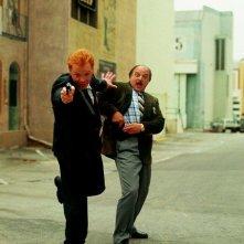 David Caruso e Dennis Franz in un'immagine promozionale del serial NYPD Blue