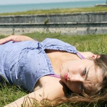 Caroline Guérin in una foto promozionale della serie televisiva francese Summer Dreams