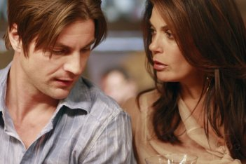 Gale Harold e Teri Hatcher nell'episodio 'You're gonna love tomorrow' della serie tv Desperate Housewives