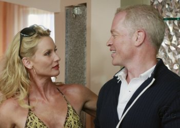 Nicollette Sheridan nell'episodio 'You're gonna love tomorrow' della serie televisiva  Desperate Housewives