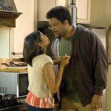 Taraji P. Henson e Tyler Perry in una scena del film The Family That Preys