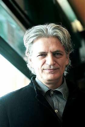 Una foto dell\'attore Fabrizio Bentivoglio