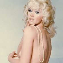 Una sexy immagine di Connie Stevens