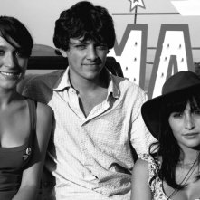 Da sinistra: Elisa Sensi, Marco Martini e Rossella Caiani in un'immagine promozionale di IN THE MARKET