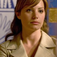 Erica Durance durante una scena dell'episodio 'Plastique' della serie Smallville