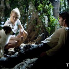 Anna Paquin e Stephen Moyer in una scena della prima stagione di True Blood