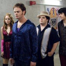 Emma Stone, Rainn Wilson, Josh Gad e Teddy Geiger in una scena di The Rocker - Il batterista nudo