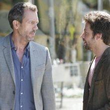 Hugh Laurie insieme a Michael Weston nell'episodio 'Not Cancer' della serie tv Dr. House