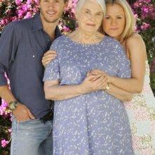 Ryan Kwanten, Lois Smith e Anna Paquin in una foto promozionale della prima stagione di True Blood