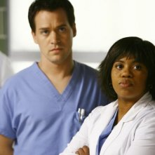 T.R. Knight e Chandra Wilson nella serie Grey's Anatomy, episodio: Dream a little dream of me