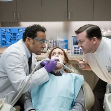 Aasif Mandvi e Ricky Gervais in una sequenza del film Ghost Town