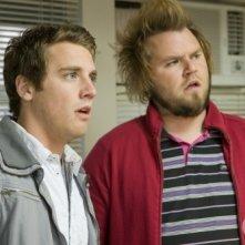 Bret Harrison e Tyler Labine nell'episodio Tranelli di Reaper