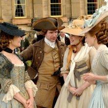 Charlotte Rampling, Ralph Fiennes, Hayley Atwell e Keira Knightley in un'immagine del film La duchessa