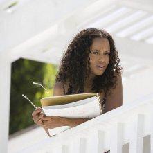 Kerry Washington interpreta Lisa Mattson nel film La terrazza sul lago