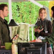 Melinda Clarke, Jessica Stroup e Bret Harrison nell'episodio Cenere sei e... di Reaper
