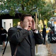 Ricky Gervais in una scena del film Ghost Town