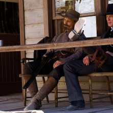 Viggo Mortensen e Ed Harris in un'immagine del film Appaloosa